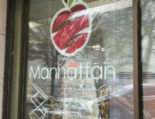 Manhattan Chamber Encourages Local Shopping In The 2020 Holiday Season